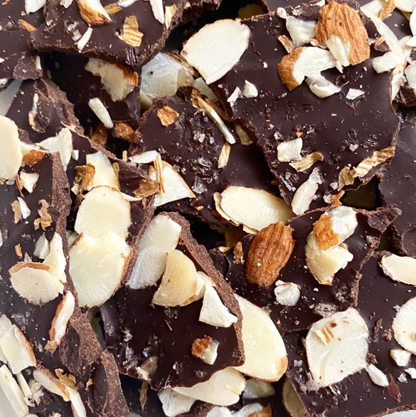 HOMEMADE ALMOND BARK